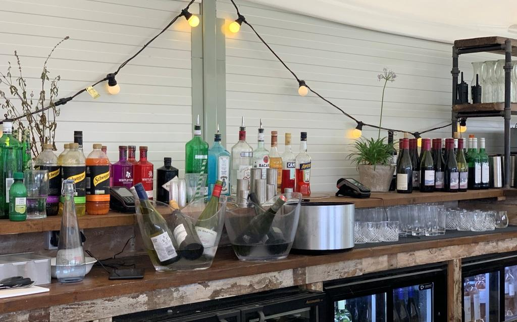Leander Outdoor Bar